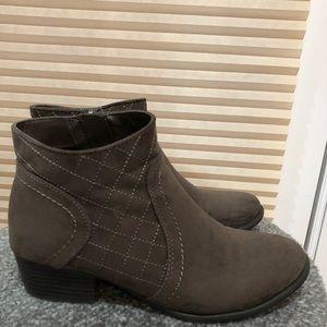 Unisa boot shoe